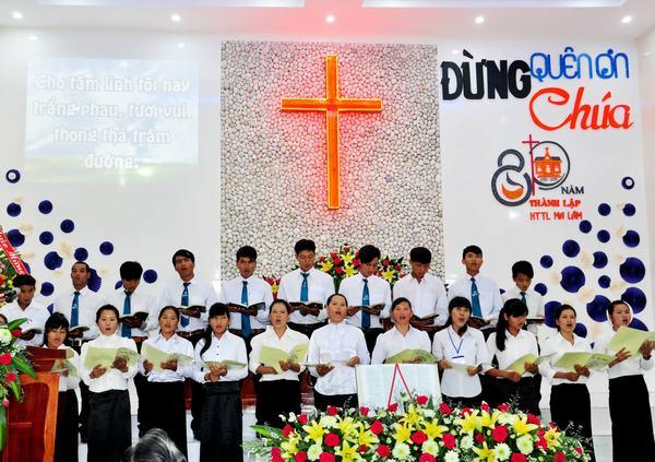 Ban hát Thanh niên HT Thuận Hòa.