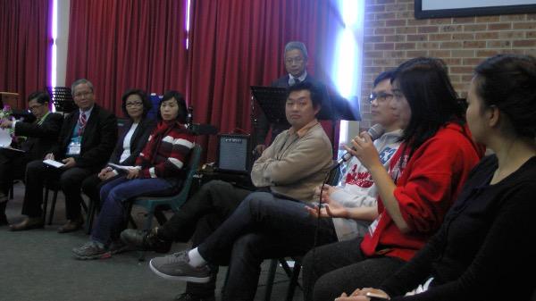 Đại diện giới trẻ bày tỏ ý kiến.
