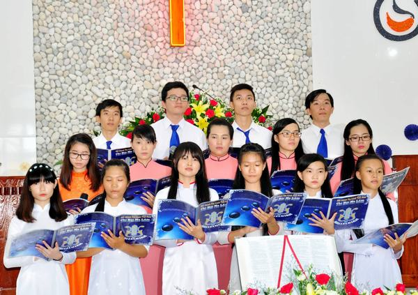 Ban hát Thanh niên HT Ma Lâm.