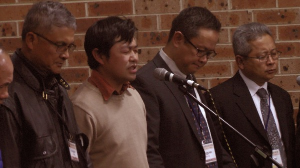 Mục sư Philíp và Mục sư Lý Văn Quang – Thư ký Tổng hội cầu nguyện đáp ứng.