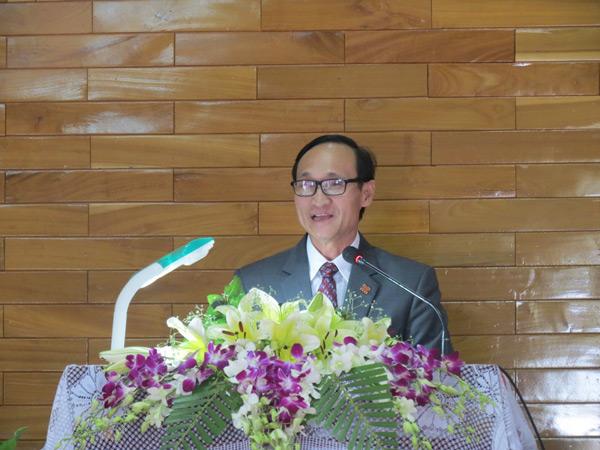 MS Phan Văn Cử trao sứ điệp Tấn phong Mục sư