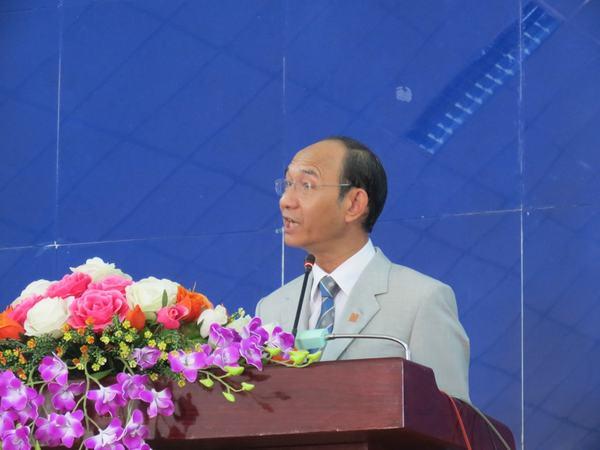MS Nguyễn Hữu Bình – Phó Hội trưởng II giảng Lời Chúa cho Hội đồng.