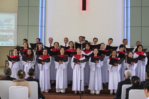 Ban Hát lễ Hội Thánh Buôn Ma Thuột tôn vinh Chúa