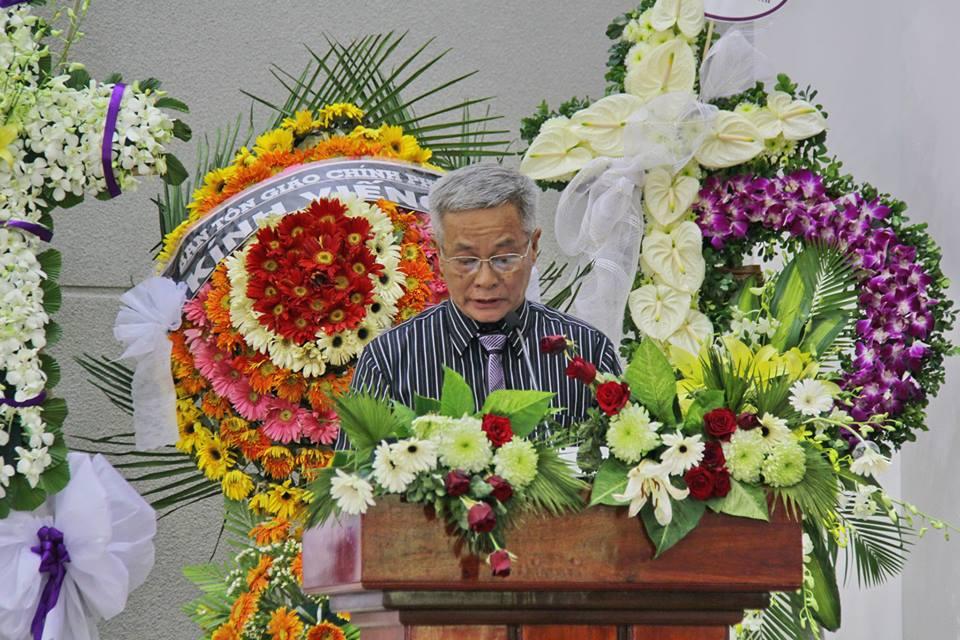 Thầy Dương Quang Bình, con trai trưởng, đọc lược sử Cụ MSTS Dương Thạnh.