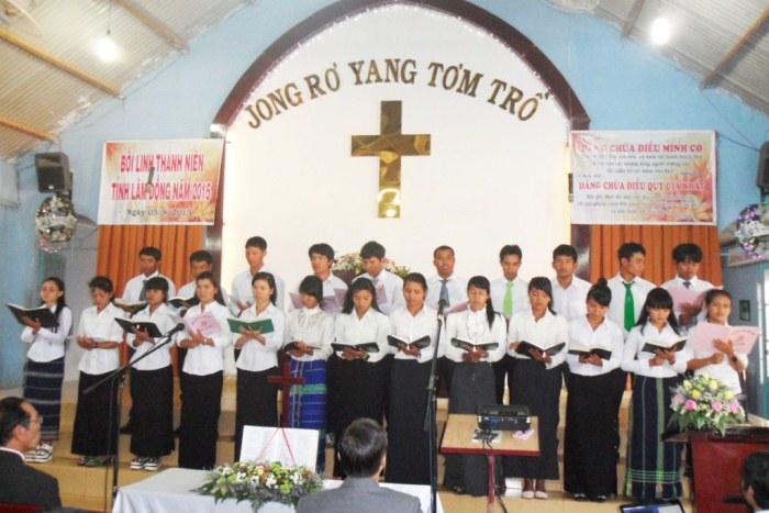 Ca đoàn khu vực Lạc Dương tôn vinh Chúa