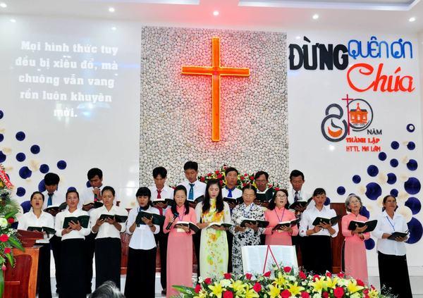 Ban hát HT Thuận Hòa.