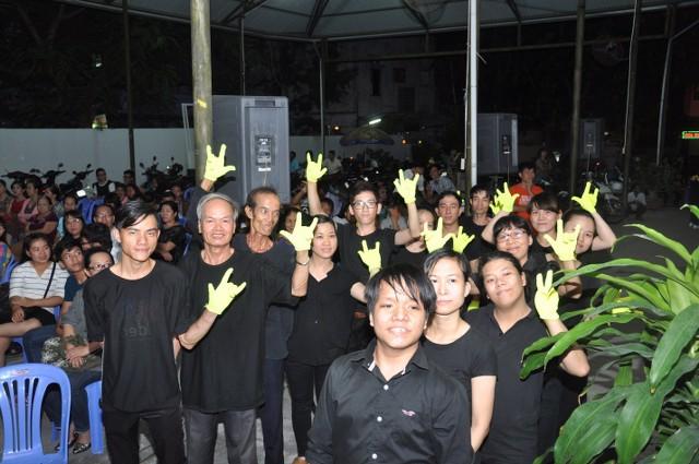 Nhóm múa khiếm thính HT Vĩnh Phước góp phần trong chương trình.