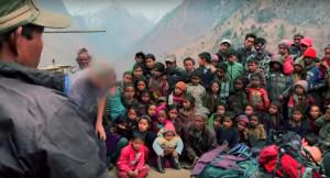 Rao giảng Phúc Âm với nhiều người ở những vùng xa xôi hẻo lánh.