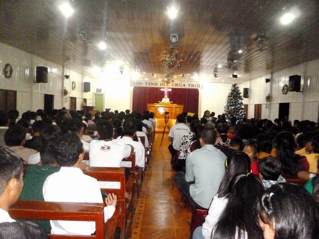 Quang cảnh đêm truyền giảng.