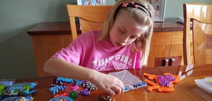 Cô Bé 8 Tuổi Và Những Chiếc Thập Tự Bé Nhỏ Gởi Đi Khắp Nước Mỹ