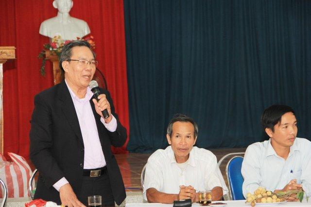 MS Võ Đình Đán phát biểu cùng chính quyền.