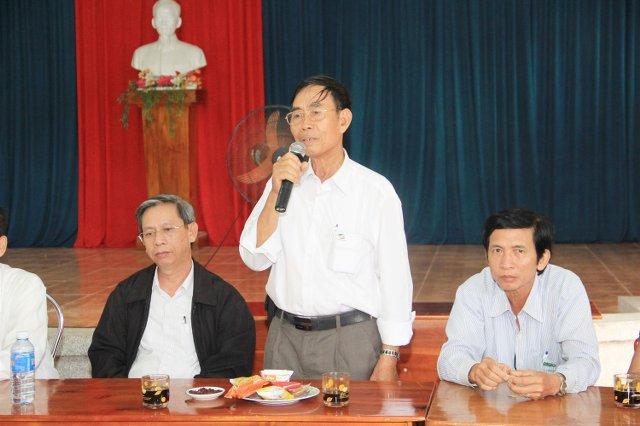 Ông Võ Hồng Binh phát biểu cùng đoàn.
