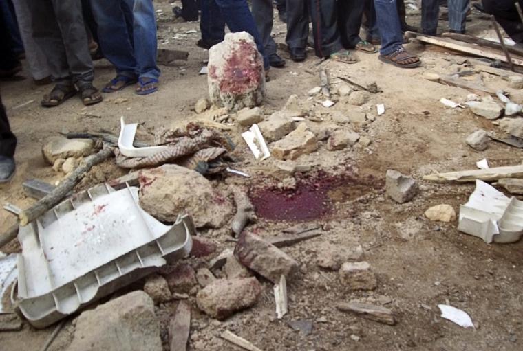 Vũng máu còn sót lại sau một vụ đánh bom liều chết ở nhà thờ tại thành phố Jos vào năm 2012.