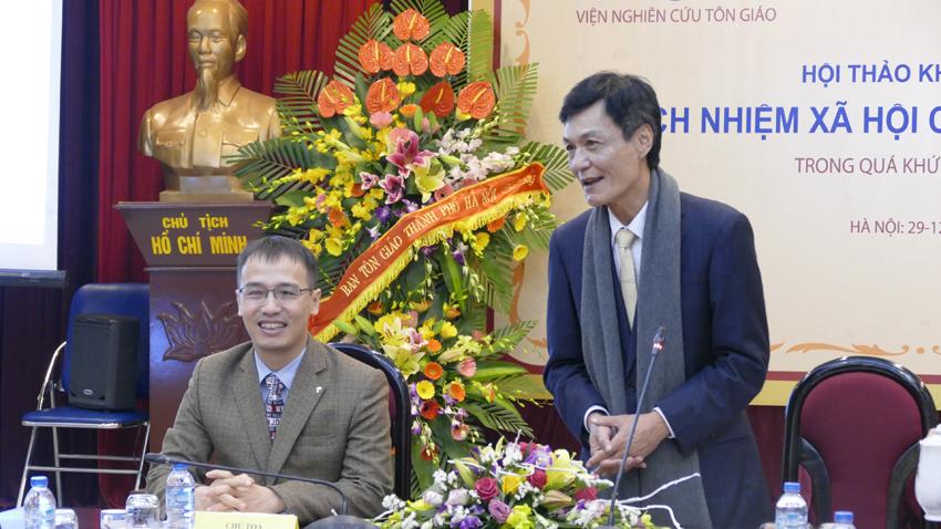 Chủ tọa Hội Thảo Khoa Học: Tiến sĩ Nguyễn Quốc Tuấn – Viện trưởng VNGTQ và Mục sư Quản nhiệm Bùi Quốc Phong.