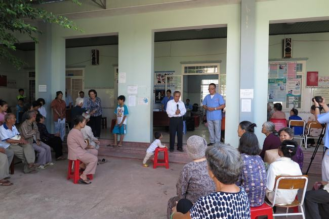 MS MSNC Bùi Minh Quyền - QNHT cầu nguyện.