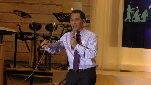 MSNC Đỗ Đăng Khoa giới thiệu Phúc Âm.