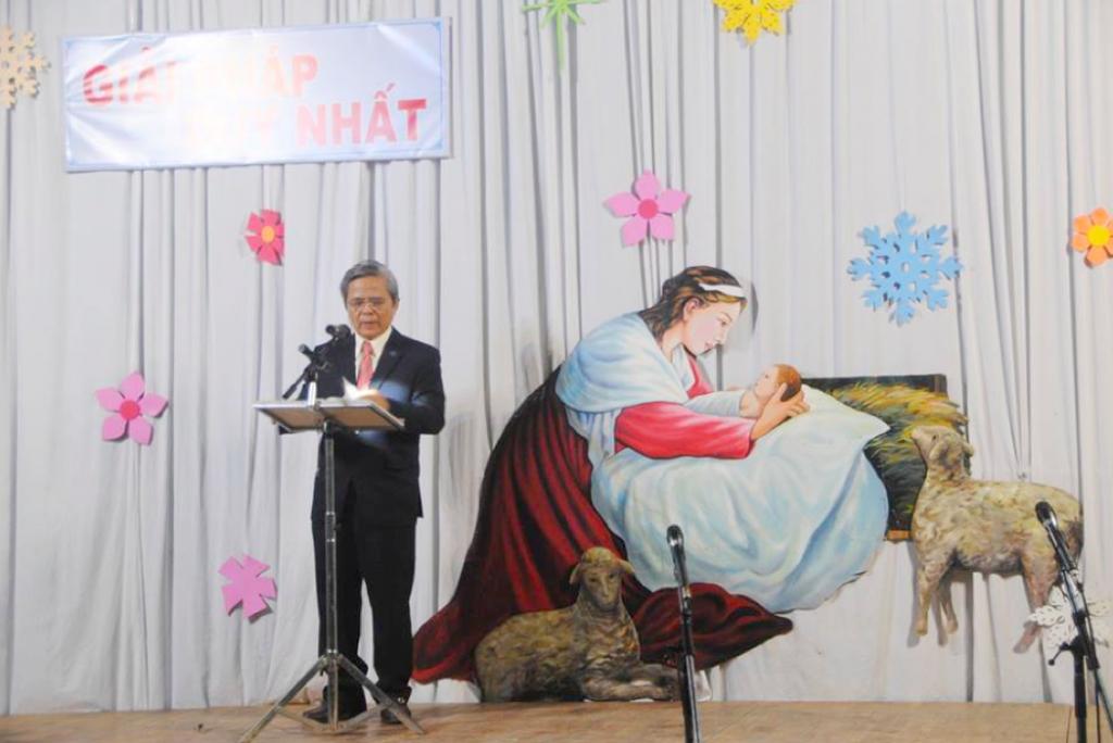 MS Nguyễn Bích Sơn công bố phúc âm.