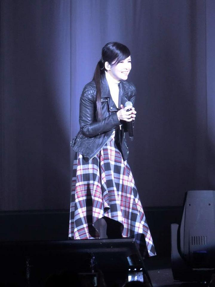 Nữ hoàng nhạc pop Châu Huệ Mẫn hát ngợi khen Chúa.