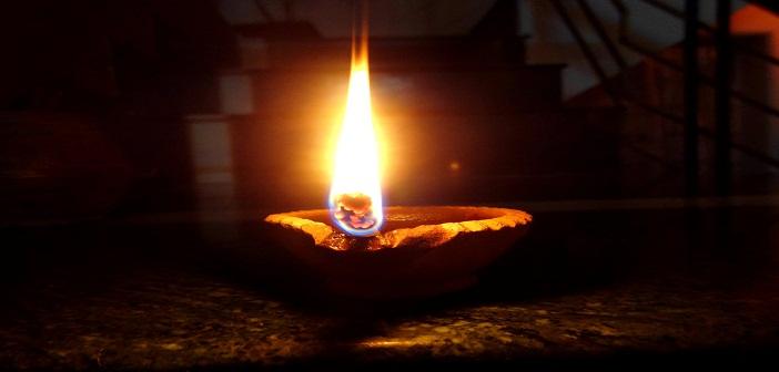 earthen_lamp_by_priyanshipokharna-d6t52cb