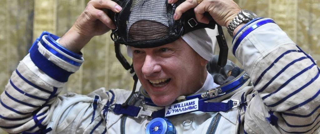 Phi hành gia Jeff Williams sẽ phá kỷ lục số ngày sống trong không gian sau khi hoàn thành nhiệm vụ.