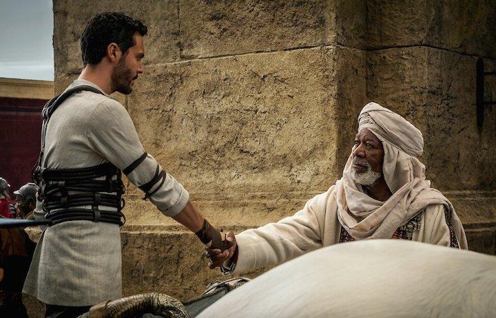 Jack Huston và Morgan Freeman trong bộ phim Ben Hur sắp ra mắt.