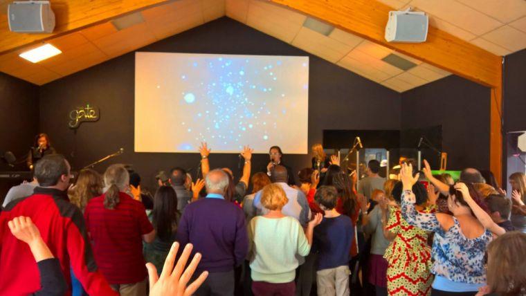 Một buổi thờ phượng tại hội thánh The Gate.