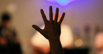 Hand-Up-Worship